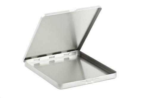 Boîte métallique plate