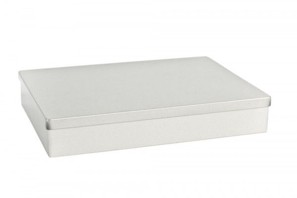 Boite rectangulaire en fer blanc